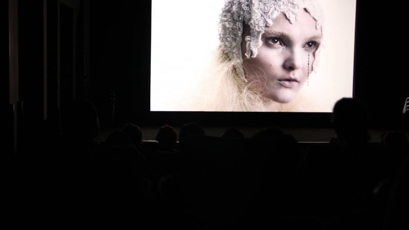 "Mid-screening of Maria Burns' film ""Vakuum"""
